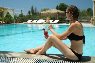 pool corfu spiti nikos drinks