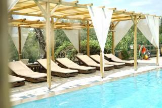 spiti nikos apartments swimming pool