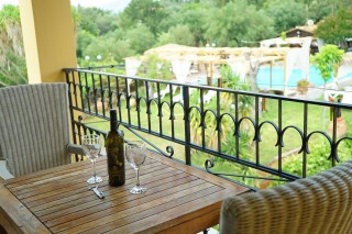 studio apartment spiti nikos pool view